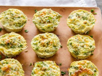 top-healthy-breakfast-quinoa-broccoli-egg-muffins